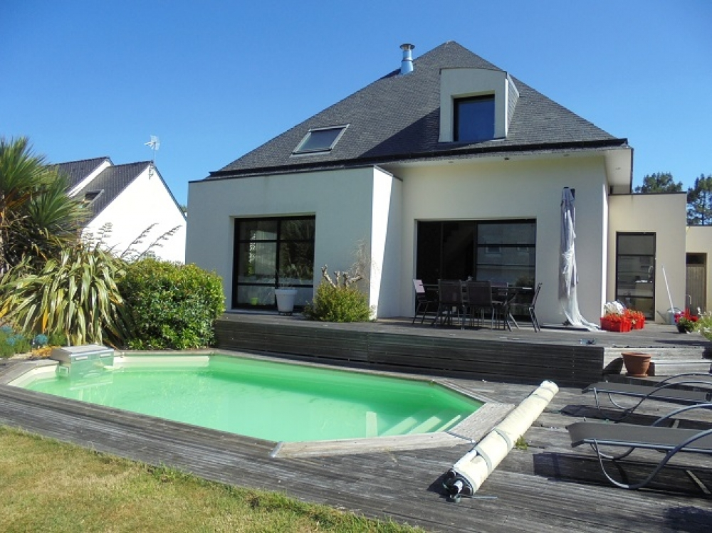 Vannes immobilier bmj immobilier le morbihan 56 en for Photo maison avec piscine